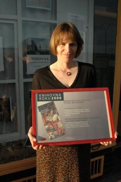 Štěpánka Ryšavá přebrala ocenění Knihovna roku pro Cestu domů