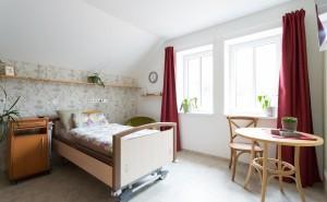 Jeden z pokojů s odlehčovacími lůžky Cesty domů v Praze 4 – Michli