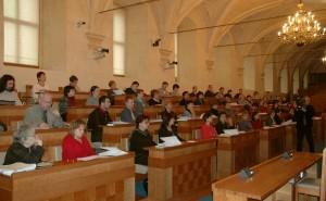 Paliativní péče v České republice_Cesta domů prezentuje odbornou zprávu v Senátu v roce 2005