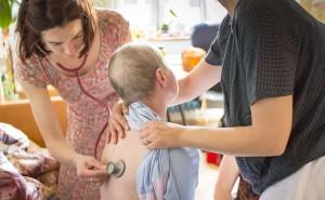 Cesta domů poskytuje odbornou péči a podporu umírajícím dospělým i dětem a jejich blízkým.