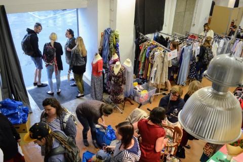 JakPak bazar Cesty domů | foto: Lenka Frízlová